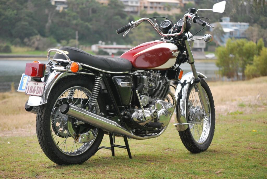 Triumph T160 Trident
